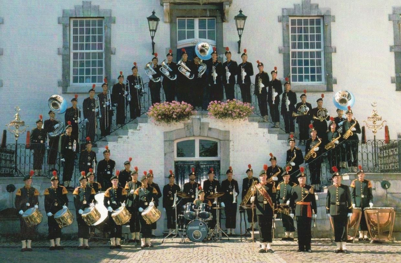 Fanfarekorps 1990 in Vaals met Elnt Hendriks,  Sgt maj   Schoonhoven en Tamboer Maitre Vonk